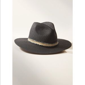 Stella & Dot Harbor Versatile Hat